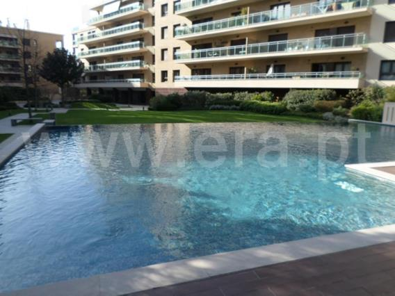 Apartment T2 / Odivelas, Amorosa Place