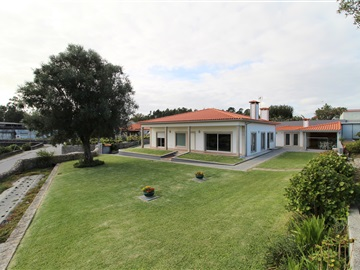 House T3 / Barcelos, Fragoso