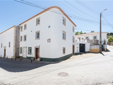 Semi-detached house T3 / Sintra, Colares