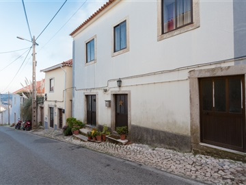 Semi-detached house T5 / Sintra, Colares