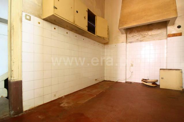 Semi-detached house T6 / Coimbra, Olivais