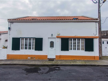 Semi-detached house T7 / Ponta Delgada, Rosto do Cão (São Roque)